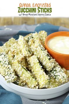 Quinoa Encrusted Zucchini Sticks w/ Honey Mustard Dipping Sauce (The Healthy Maven) Healthy Side Dishes, Healthy Snacks, Healthy Eating, Healthy Recipes, Healthy Dinners, Healthy Options, Delicious Recipes, Zucchini Sticks, Honey Mustard Dip