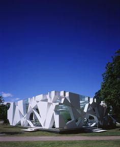 Serpentine Pavilion 2002 by Toyo Ito #Architecture #Design #Archello