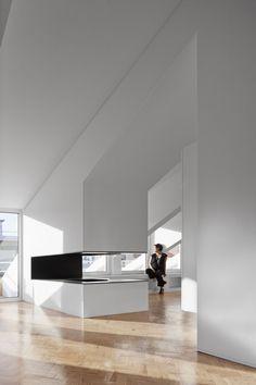 João Tiago Aguiar, arquitectos, Fernando Guerra / FG+SG · RFI Apartment · Divisare