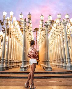 Pin by chelsea altamira on travel/adventure in 2019 Caroline Einhoff, Photography Poses, Travel Photography, Tara Milk Tea, Los Angeles Travel, Travel Usa, Adventure Travel, Places To Travel, Travel Photos