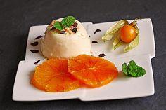 Feine Orangen-Mousse von kathy1409 | Chefkoch Gourmet Desserts, Dessert Recipes, Orange Mousse, Winter Desserts, Pudding Desserts, Original Recipe, 4 Ingredients, Food Inspiration, Panna Cotta