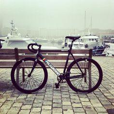 My first fixed gear bike. Its an amazing bike #poloandbike #williamsburg