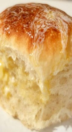 Slow Cooker Dinner Rolls _ Let me tell you, this is GREAT! It is so easy & only takes about 2 1/2 hours from start to finish. This is my new go-to method for making Rhodes Rolls!