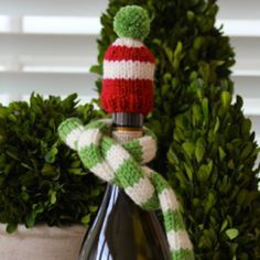 Fashionable Wine Garb - a free knitting pattern for a wine bottle hat and scarf!