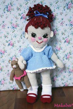 Suzett - crochet doll. Love this dimpled darling.