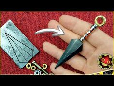 Throwing Knives, Cool Knives, Knife Making, Metal Art, Mini, Metal Working, Jewelry Making, Jewels, How To Make