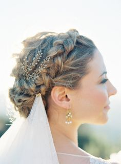 Braided crown: http://www.stylemepretty.com/california-weddings/2015/03/17/rustic-grecian-bridal-inspiration/ | Photography: Jen Huang - https://jenhuangblog.com/