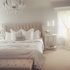 """189 tykkäystä, 7 kommenttia - ☆Beautiful Home Inspo☆ (@beautifulhomeinspo) Instagramissa: """"✨ Credit to @mariasnest ✨ #beautifulhomeinspo #beautiful #bed #bedroom #cozy #loveit #chandelier…"""""""