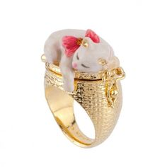 White cat and kittens secret ring
