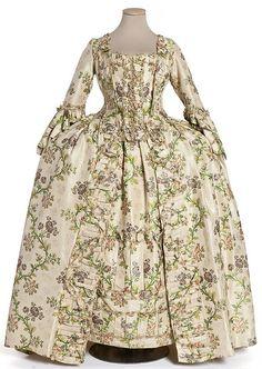 1760, Robe a la Francaise