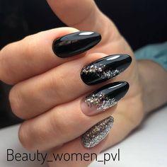 Cute Almond Nails, Almond Nail Art, Glitter Nail Art, Gel Nail Art, Gel Nail Designs, Accent Nails, Creative Nails, Winter Nails, Love Nails