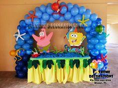 Sponge bob cake table decoration with marine theme balloon arch Sponge bob cake table decoration wit Birthday Table Decorations, Birthday Centerpieces, Balloon Decorations Party, Decoration Table, Candy Decorations, Spongebob Birthday Party, 6th Birthday Parties, Cake Birthday, Spongebob Party Ideas