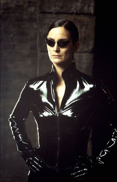 """TIL the name """"Trinity"""" as a given name for a girl rose in popularity after the film, The Matrix. In the year before the film, it was the 523 most popular name; in 2004 (after the third film in The Matrix trilogy) it peaked as the most pupular an Movie Halloween Costumes, Halloween Kostüm, The Matrix Movie, Man In Black, Matrix Reloaded, Matrix 1, Carrie Anne Moss, Milla Jovovich, Bettie Page"""