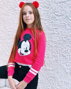 Hannah Montana, Jojo Siwa, Youtubers, Christmas Sweaters, Girl Fashion, Celebrity, Graphic Sweatshirt, Sweatshirts, Jackets