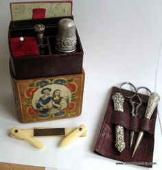 Ladies Companion, travelling sewing set shaped as a book, polychrome figures stock n. C107