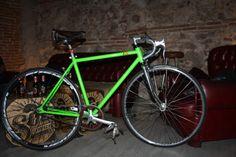 fixie verde, estilo vintage.