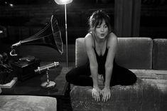 "905 Me gusta, 4 comentarios - Dakota Johnson Info  (@dakotajohnsoninfo) en Instagram: ""NEW | Dakota at her home photographed by @gregwilliamsphotography on Thursday, January 11th in Los…"""
