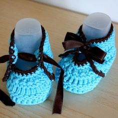Knitting Pattern (PDF file) - Baby Shoes with Ribbon Knitting For Kids, Baby Knitting Patterns, Crochet For Kids, Baby Patterns, Crochet Baby Shoes, Crochet Baby Booties, Crochet Slippers, Knit Crochet, Accessories