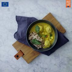Boller i karry - Glad for gris Healthy Dinner Recipes, Cooking Recipes, Cook N, Tasty Videos, Yummy Mummy, Dinner Sides, Good Food, Food And Drink, Healthy Eating