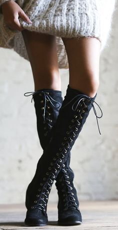 #photooftheday Lace up boots...