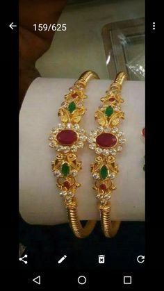 Headpiece Jewelry, Bead Jewellery, Gold Jewelry, Jewelry Necklaces, Gold Bangles Design, Jewelry Design, Gold Jhumka Earrings, Gold Bangle Bracelet, Siri