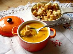 Supa crema de morcovi cu chimen si ghimbir | Prajiturici si altele Vegetarian Recipes, Cooking Recipes, Curry, Ethnic Recipes, Desserts, Soups, Cream, Tailgate Desserts, Curries