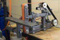 plans for belt grinder Metal Working Machines, Metal Working Tools, Metal Tools, Metal Welding, Metal Art, Knife Grinding Jig, Knife Grinder, Knife Sharpening, Blacksmith Tools
