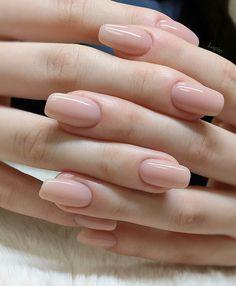 Natural nails & natürliche nägel & ongles naturels & uñas na Classy Nails, Stylish Nails, Simple Nails, Nail Polish, Nail Nail, Holiday Nail Art, Minimalist Nails, Nude Nails, Coffin Nails