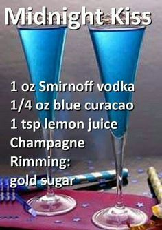 Recipe for White Wine Sangria for a Crowd Holiday Drinks, Party Drinks, Cocktail Drinks, Liquor Drinks, Beverages, Bourbon Drinks, Alcholic Drinks, Blue Drinks, Alcohol Drink Recipes