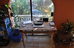 handmadeinamerika from Hawaii shares his desk. Desk I made out...