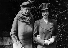 Princess Elizabeth with her grandmother, Queen Mary - (Photo by Keystone/Getty Images) Queen Elizabeth Grandmother, Queen Elizabeth Ii, Princess Margaret, Princess Mary, Margaret Rose, Princess Victoria, Queen Victoria, Prinz Philip, British Royal Families