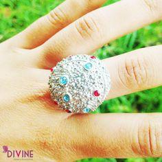 Una aleación perfecta entre rocas espaciales y brillantes del alma, forman esta joya preciosa hecha justo para ti. Precio: $20.000