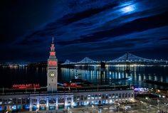 Bay Lights is a simple, breathtaking LED installation that lights up San Francisco's Bay Bridge.