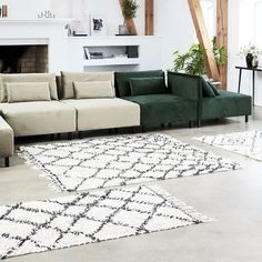 Give your home new life by adding a soft, nice rug in your home. Kuba from House Doctor is a stunning rug that is perfect for creating a wonderful atmosphere in your home. House Doctor, Home Design, Canapé Design, Interior Styling, Interior Design, Piece A Vivre, White Rug, Rug Runner, Living Room Decor