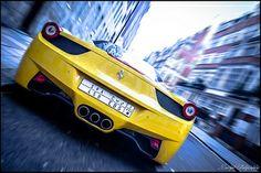 Ferarri 458 italia - Yellow