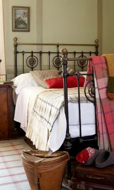 Cozy country bedroom with bronze bed frame, plaid blankets and throws and a vintage trunk at the foot of the bed. Country Cottage Bedroom, Country Decor, Country Charm, Country Bedrooms, Country Life, Cottage Style, Farmhouse Style, Cozy Bedroom, Master Bedroom