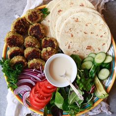 Easy Falafel 2019 Easy falafel wrap made with canned chickpea falafel flatbread and homemade tahini sauce. Falafel wraps make the best vegetarian vegan plant-based lunch or dinner. The post Easy Falafel 2019 appeared first on Lunch Diy. Falafel Wrap, Falafel Vegan, Wrap Recipes, Dinner Recipes, Homemade Tahini, Vegetarian Recipes, Healthy Recipes, Vegetarian Wraps, Snacks