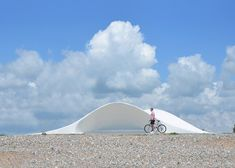 Flanagan Lawrence completes shell-shaped seafront shelter and stage
