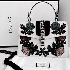 Gucci floral handbag. Womens purse, womens Gucci handbag
