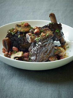Slow -Cooked Short Ribs