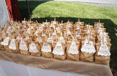 Wedding favor bags from rusticweddingchic.com