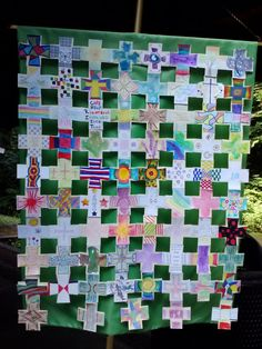 Small paper crosses and backgrounds put together into a larger banner. - this would be a cool craft for Catholic Schools Week Vbs Crafts, Church Crafts, Catholic Schools Week, Prayer For Church, Prayer Stations, School Week, Auction Projects, Church Banners, Religion