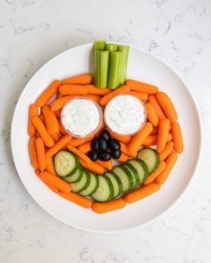 20 Healthy Halloween Snack Recipes for Eerily Good Eating Comida De Halloween Ideas, Halloween Snacks For Kids, Healthy Halloween Treats, Fall Snacks, Halloween Appetizers, Halloween Food Ideas For Kids, Halloween Themed Food, Halloween Buffet, Hallowen Food