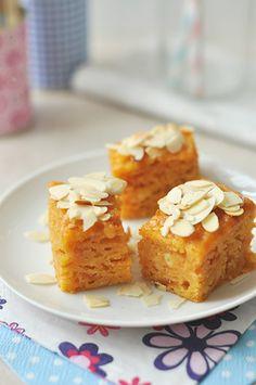 3 egyszerű bögrés süti Kefir, Cornbread, Muffin, Food And Drink, Cooking Recipes, Sweets, Cookies, Breakfast, Cake