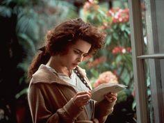 Helena Bonham Carter as Helen Schlegel in Howards End Helena Bonham Carter, Helen Bonham, Dreamworks Movies List, Howard End, Mary Martin, The English Patient, Old Movie Stars, Edwardian Era, Victorian