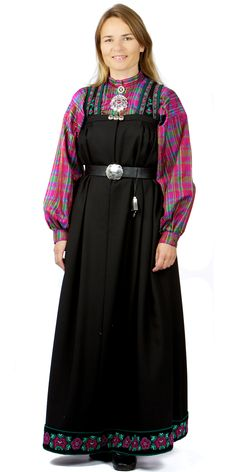 Traditional Norwegian folk costumes - Page 5 Folk Costume, Costumes, Going Out Of Business, Ethnic Dress, Traditional Dresses, Fasion, Norway, Culture, Suits
