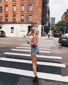 "6,511 Likes, 40 Comments - Viktoria Dahlberg (@viktoria.dahlberg) on Instagram: ""My love for NYC grows everyday ❤️ #lovemycity #nyc #ootd #liveinlevis"""