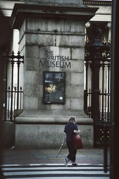 London photo #London #britishmuseum #streetphotography