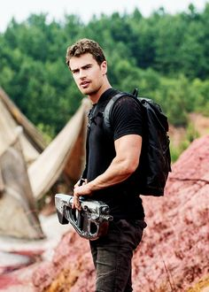 """queerfour: """" Theo James in The Divergent Series: Allegiant """" Tobias, Divergent Theo James, Divergent Trilogy, Divergent Insurgent Allegiant, Tris E Quatro, Tris Und Four, Theo Theo, Theodore James, Veronica Roth"""