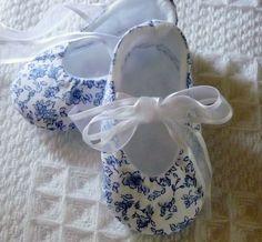 Classic China Blue and White Petite Print